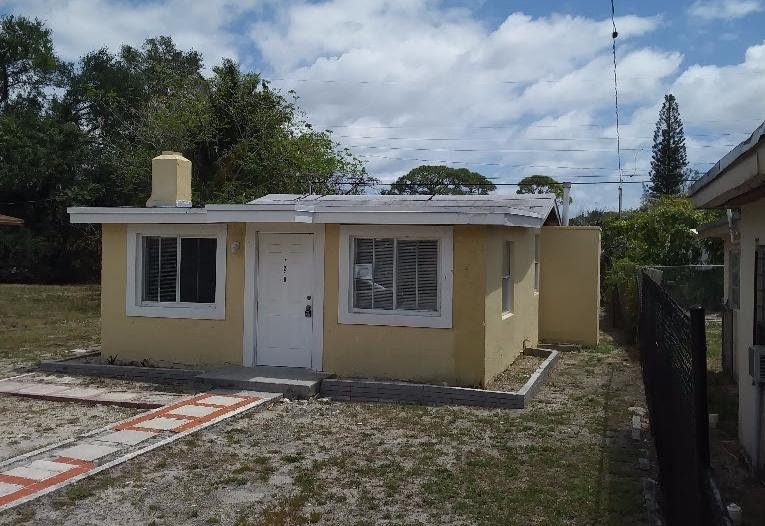 218 NW 28th Way Fort Lauderdale FL 33311 USA Miami Wholesale Homes