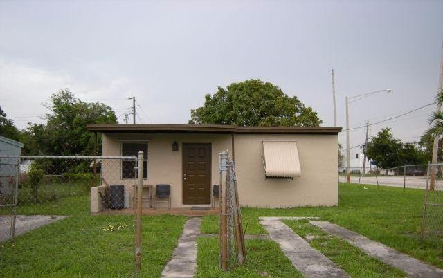 2301 NW 13th Ct Fort Lauderdale FL 33311 USA Miami Wholesale Homes