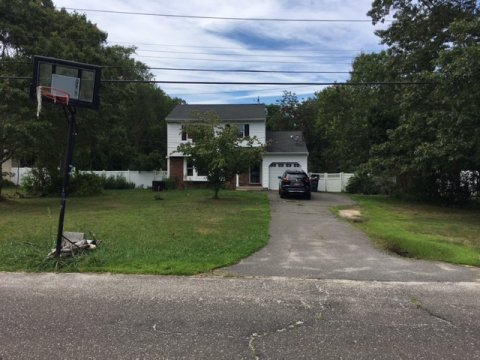 Easy Rehab for Colonial in Shirley NY-33% Below Market