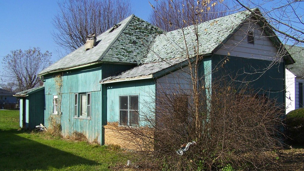 a beat up house that we'd buy for cash in Mesa - on the sell your house fast in Mesa page