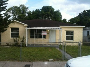 we-buy-house-any-condition-in-Miami-FL-Summit Home buyers