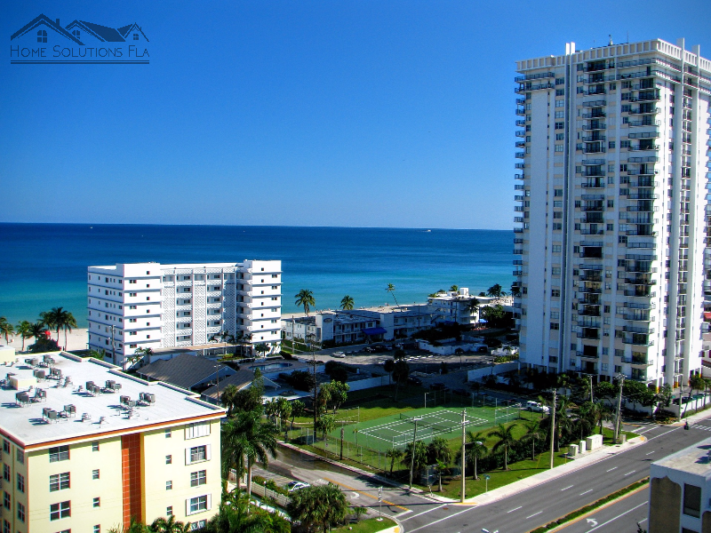 Debating Between a Condo and a House for Sale in West Palm Beach